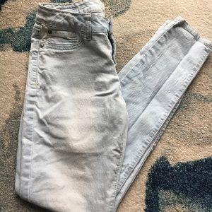 Jeans - Light Wash Skinny Jeans